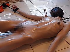 【エロ動画】女子大生マリア 吸盤拘束、真空機と打具と電動ガンのエロ画像