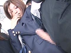 通学電車で女子校生だけに勃起チ○ポを見せつけ