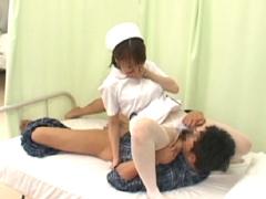 看護師がしかけるパンチラで勃起したらヤられた VOL.2