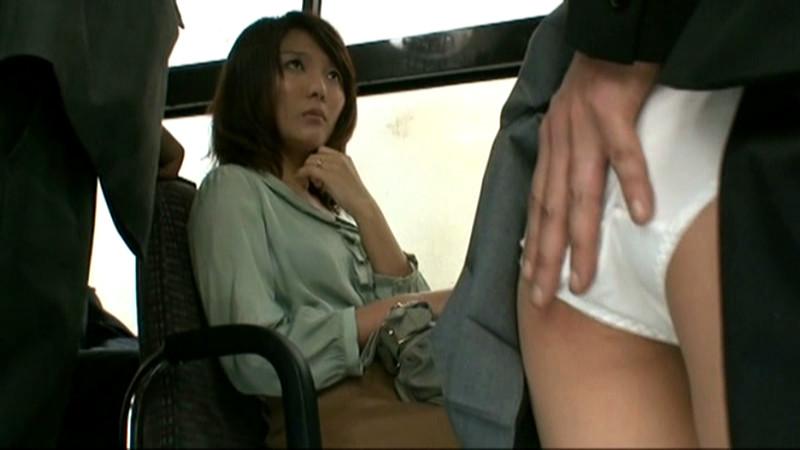欲求不満の専業主婦に股間を擦りつけたら? VOL.4