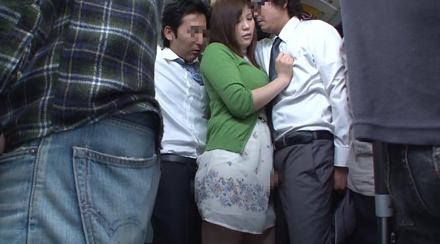 欲求不満の主婦に後ろから同時に股間を擦りつけたら?1