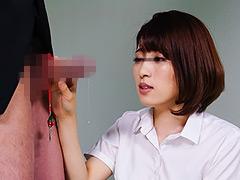 【エロ動画】手錠の鍵をチ○ポに付け拘束された男子 VOL.1のエロ画像