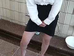 フェチ:おしがま専科(ムチムチブルマ・OL・おもらし編)