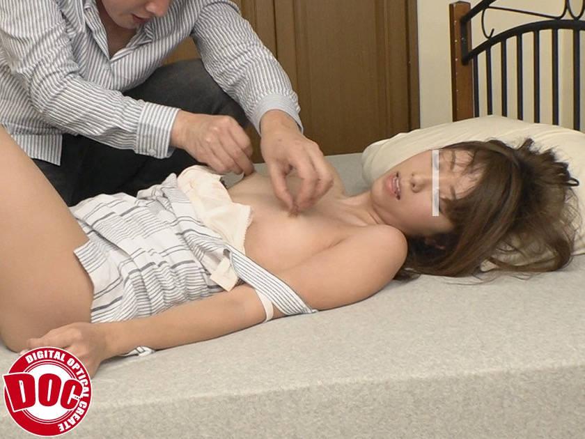 無防備女子は、勃起乳首をねぶり回され何度もイキまくり