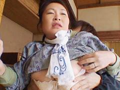 【エロ動画】畑を耕す田舎っぺおっかさん中出し 結城圭子の人妻・熟女エロ画像