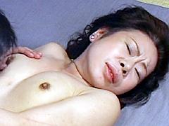 【エロ動画】母と子の性生活2の人妻・熟女エロ画像