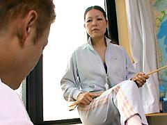 人妻体育教師 教え子と禁断の肉体授業