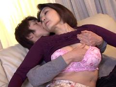 【エロ動画】兄嫁のふしだらな日常! 平尾雅美の人妻・熟女エロ画像