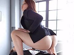 【エロ動画】騎乗位×騎乗位 腰振る女達1のエロ画像