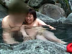 【エロ動画】援交娘と混浴温泉旅行のエロ画像