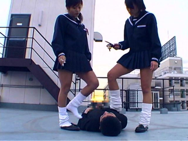 女子校生集団M男ボコり の画像8