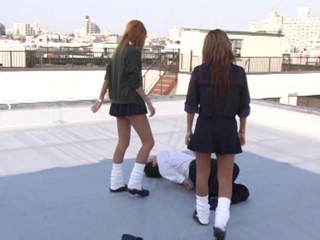 女子校生集団M男ボコり の画像15