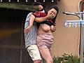 庭掃除中の胸チラ。突然背後から大男が襲って、人妻の乳を揉みまくる。「イヤッ!」と言いつつ徐々に感じてしまい、立ちバックで中出しされる。様々なシチュエーションで人妻の乳首がレイプされる。
