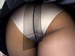 パンチラ:階段女子校生 薄めパンスト女子校生のスカートの中!編