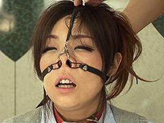 【エロ動画】熟女鼻飼育のエロ画像