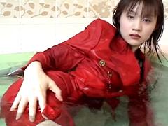 水も滴るいい女 Vol.13