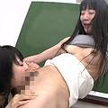 臭う女子校生と教師の匂い嗅ぎ舐めレズ