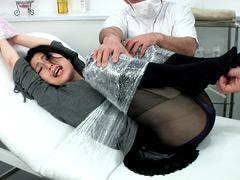 熟女のラップ巻きくすぐりオイルエステ挿入 美穂