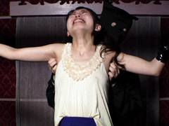 暗い部屋で両腕縛り強制くすぐり 多田茉莉子