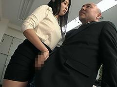 【新着動画】OL葵千恵ちゃんのМ男口臭嗅がせ手コキ