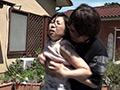 熟女の背後から乳モミ&乳首舐め吸い。 倉田江里子