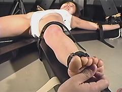 女スパイ拷問 くすぐり笑い地獄の刑12