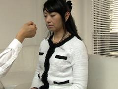 【エロ動画】痴女催眠で白目を剥いて失神した人妻 由梨絵のエロ画像