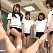 キン○マに興味を持ちはじめた女子校生の金蹴り練習【フリーダム動画】