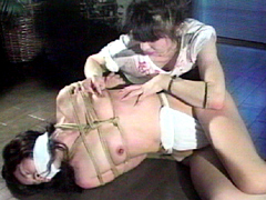 【エロ動画】乳虐10のエロ画像