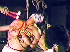 【エロ動画】廃屋二人縛りのエロ画像