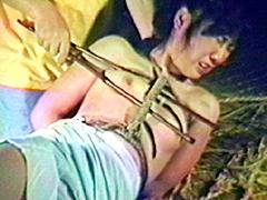 【エロ動画】女囚縛り海老あぐらのエロ画像