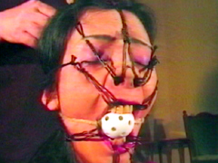 【エロ動画】熟女鼻責め緊縛・顔面縄拷問のエロ画像