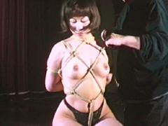 【エロ動画】緊縛エロス07 羞恥縛り・鎖陰責めに泣く女のエロ画像