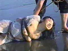 【エロ動画】砂の女・拷問海岸 早乙女宏美のSM凌辱エロ画像