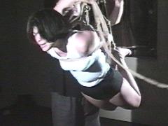 【エロ動画】豊満肉少女虐待・ブルマー蜂胴縛りのエロ画像