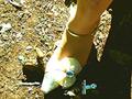 「草原のヒキガエル」を泥まみれにして踏み潰す! 瀬川水桜里