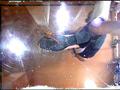 普通の女性・小百合さんがザリガニ・ゴキブリ・魚を踏む サンプル画像0002