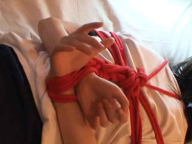 セーラー服少女テープギャグ の画像9