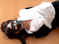 【エロ動画】『カーテンのない部屋』のエロ画像