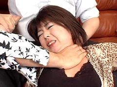 下着販売員クニちゃんの首絞めクレーム対処法