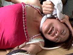 筋肉女の首絞め肉体改造