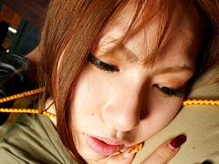 【エロ動画】喰込み剥眼に艶の唇と咳込みのエロ画像