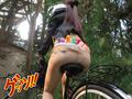 自転車通勤するタイトスカートOLを野外軟禁! 8