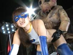【エロ動画】メタルウーマン 高飛車ヒロイン恥辱凌辱のエロ画像