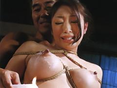 小早川怜子:『夫の霊前で義父への服従を誓う』 喪服の背徳奴隷