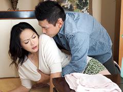 井上綾子:喘ぎ我慢家庭内レイプ 身も心も犯され堕ちた母4時間20人