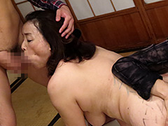 【エロ動画】調教される母 青井マリのエロ画像