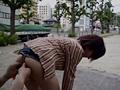 [露出動画]素人投稿 露出浣腸-画像5