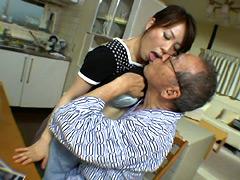 【エロ動画】禁断介護 橘エレナのエロ画像