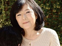 【エロ動画】祖母と孫 小泉多恵のエロ画像
